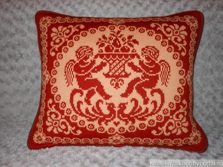 Вязаные подушки с ангелочками ручной работы на заказ