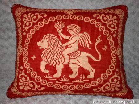 Декоративные подушки с ангелами ручной работы на заказ