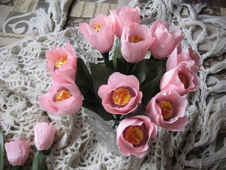 Тюльпаны из конфет ручной работы на заказ