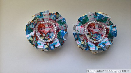 Мультяшные бантики-резиночки ручной работы на заказ