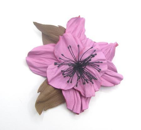 Брошь из кожи Цветок ручной работы на заказ