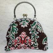 Маленькая сумочка на фермуаре