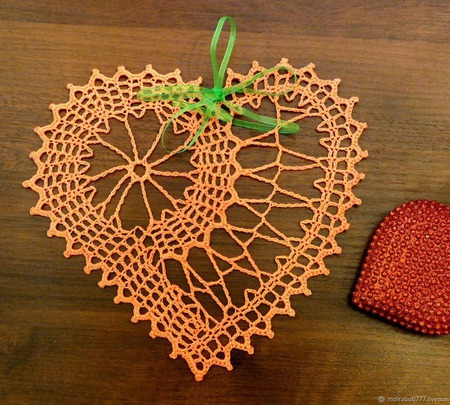 Салфетка-Валентинка ажурная ручной работы на заказ
