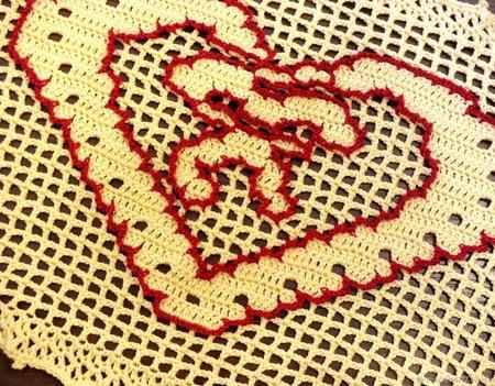 Салфетка-валентинка с сердечком ручной работы на заказ