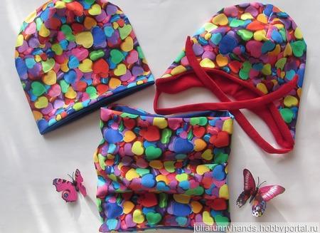 Комплект шапочка+снуд Сердечки ручной работы на заказ