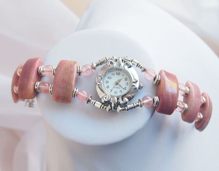 """Часы наручные """"Розовая дымка"""" ручной работы на заказ"""