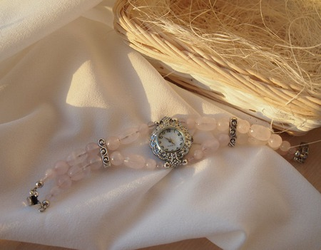 """Розовый кварц"" часы наручные, женские ручной работы на заказ"