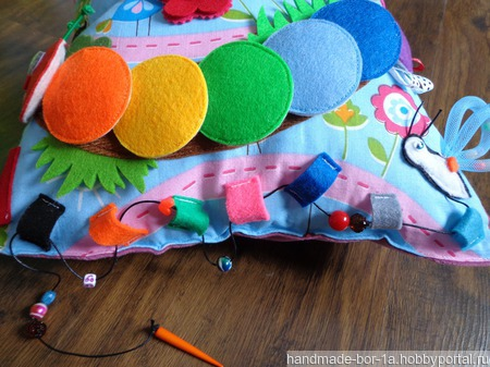 Развивающая подушка ручной работы на заказ