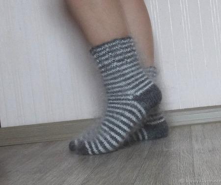 """Носки пуховые""""Полосатики""""-вязанные,теплые. ручной работы на заказ"""