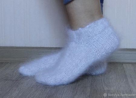 Носки  укороченные -вязанные,теплые.Козий пух. ручной работы на заказ