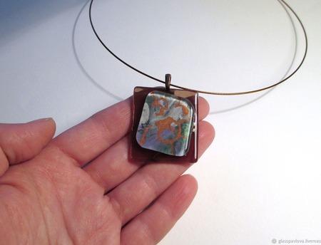Фьюзинг кулон из декоративного стекла Бесконечность ручной работы на заказ