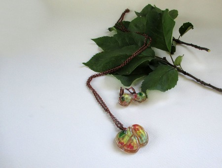 Комплект серьги кулон из декоративного стекла Яблочный спас. Фьюзинг ручной работы на заказ