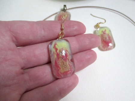 Комплект серьги кулон из стекла Фламенко. Фьюзинг ручной работы на заказ