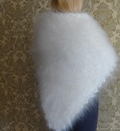 Большая пуховая,тёплая шаль-косынка. ручной работы на заказ