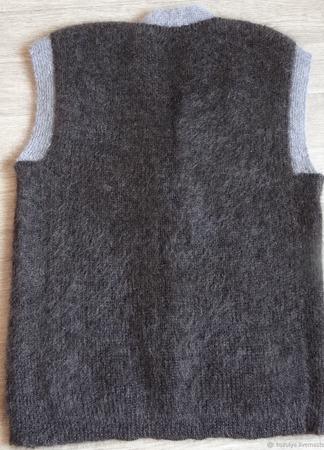 Пуховая безрукавка,жилетка - вязанная.тёплая. Козий пух. ручной работы на заказ