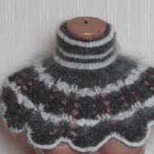 Шарф-манишка,оплечье, вязанная из козьего пуха