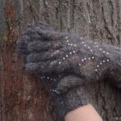 Пуховые перчатки с бусинами - вязанные спицами,ажурные. Козий пух.