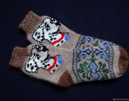 """Носки шерстяные- вязанные-тёплые  """" Год собаки """" ручной работы на заказ"""