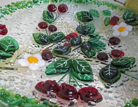 """Круглый салатник из стекла """"Вишневая фантазия"""". Фьюзинг ручной работы на заказ"""
