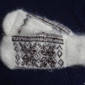 """Варежки-рукавички вязанные из шерсти с пухом """"Новогодний подарок"""""""