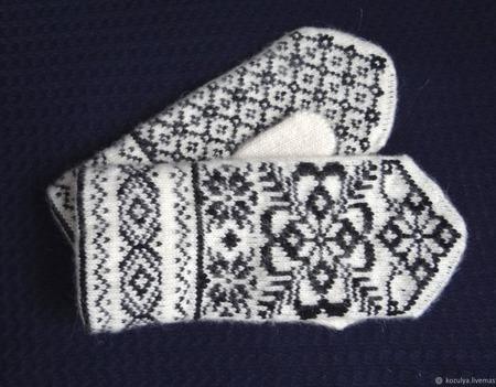 """Варежки-рукавички вязанные из шерсти  """"Новогодний подарок"""" ручной работы на заказ"""