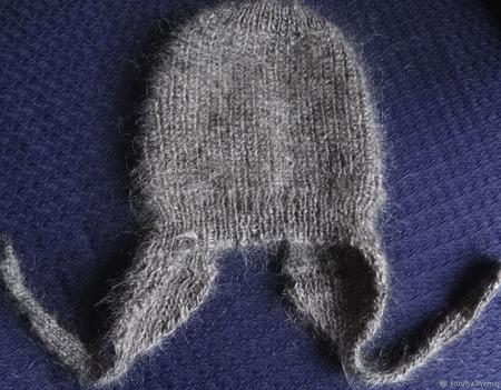Пуховая зимняя шапочка для новорожденного.Козий пух. ручной работы на заказ