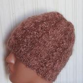 Пуховая шапка зимняя с косами - козий пух.