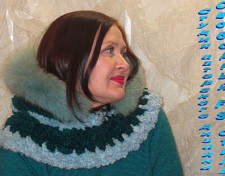 """Тёплый вязанный капюшон с песцом """"Сибирячка"""" ручной работы на заказ"""