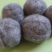 Пуховая пряжа ручного прядения -козий пух с коз придонской породы ВЗ2