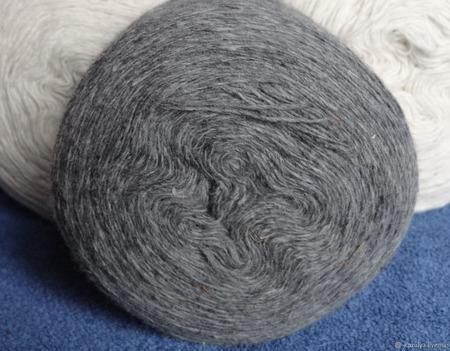 Чисто шерстяная овечья пряжа тонкая. ручной работы на заказ