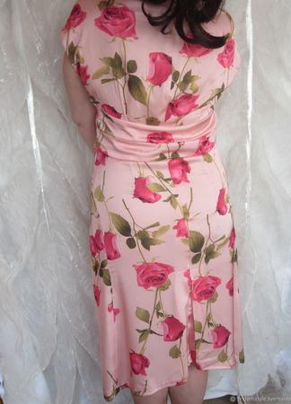 """Летнее платье в нежных тонах с розами  """"Красотка"""" ручной работы на заказ"""