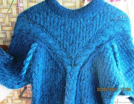 """Удлинённый тёплый пушистый свитер""""Северные мотивы"""" ручной работы на заказ"""