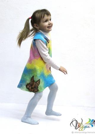 """Детское платье-сарафан """"Чей хвост?"""" - войлок и батик ручной работы на заказ"""