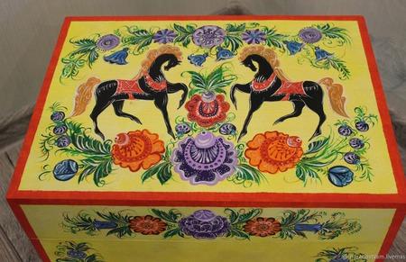Сундук деревянный расписной. Городецкая роспись. ручной работы на заказ