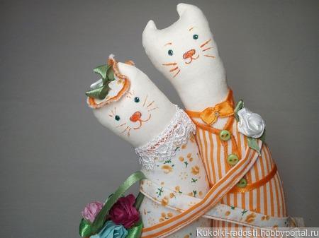 Прогуливающиеся котики ручной работы на заказ