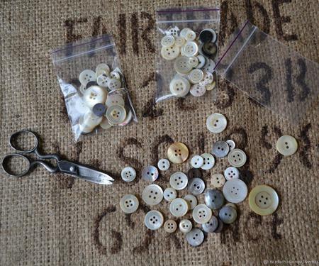 Набор пуговиц перламутровых (ракушка) для кукол и мишек Тедди ручной работы на заказ