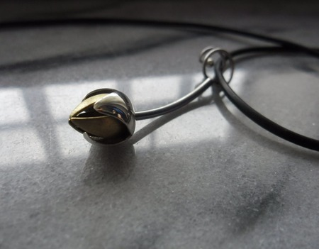 Подвеска из серебра Бутон, серебро и латунь ручной работы на заказ