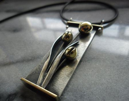 Подвеска серебряная Букет тюльпанов ручной работы на заказ