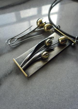 Комплект серебряных украшений Желтые тюльпаны ручной работы на заказ