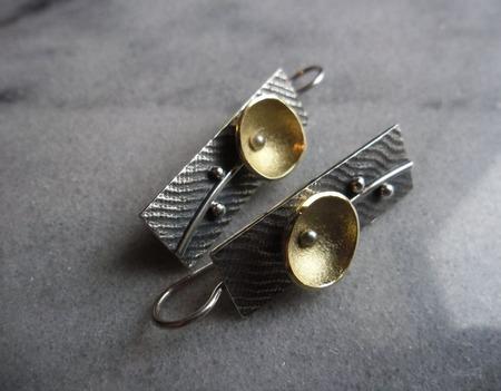 Серьги серебряные Цветок минимализма, авторское серебро ручной работы на заказ