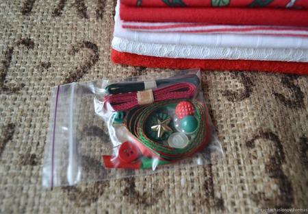 Набор для кукольной одежды Новогодний №2 ручной работы на заказ