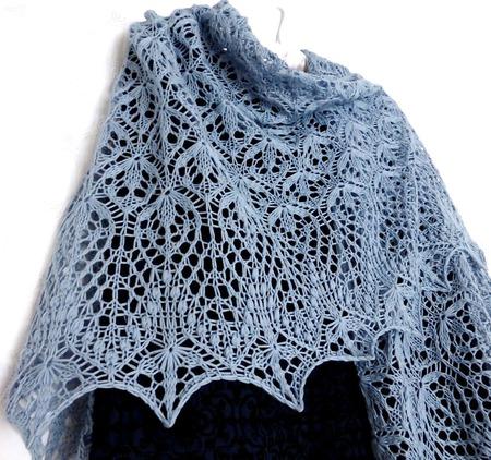 Ажурная шаль, вязаная шаль спицами Цветы Весны ручной работы на заказ