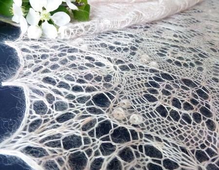 Шаль вязаная, шаль ажурная пуховая Яблоневый Цвет, шаль свадебная ручной работы на заказ