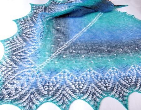 Шаль ажурная шерстяная Кауни Море-море... вязаная спицами ручной работы на заказ