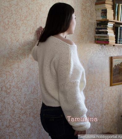 Белый джемпер-оверсайз с кружевом ручной работы на заказ