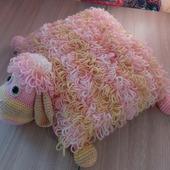 Подушка-игрушка овечка интерьерная