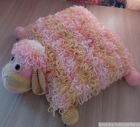 Подушка-игрушка овечка интерьерная ручной работы на заказ