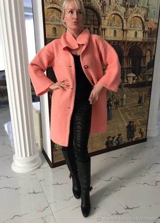 """Пальто """"Девушка в персиковом"""" ручной работы на заказ"""