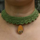 Бархотка с винтажным кулоном зеленый украшение на шею