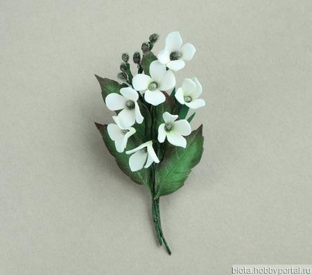 Брошь букетик белых цветов ручной работы на заказ